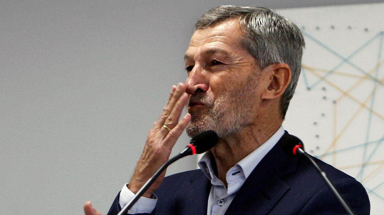 Villar ataca al Gobierno y dice que es el único responsable de que España se pueda quedar sin Mundial.Rivera y Rajoy, en una foto de archivo