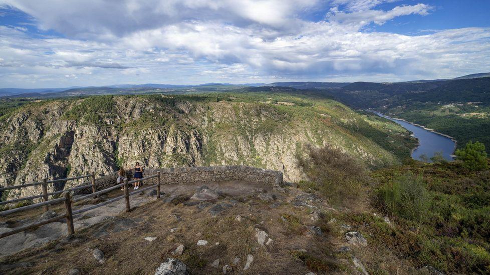 El mirador de Curral de Penso ofrece un amplio panorama del cañón del Sil