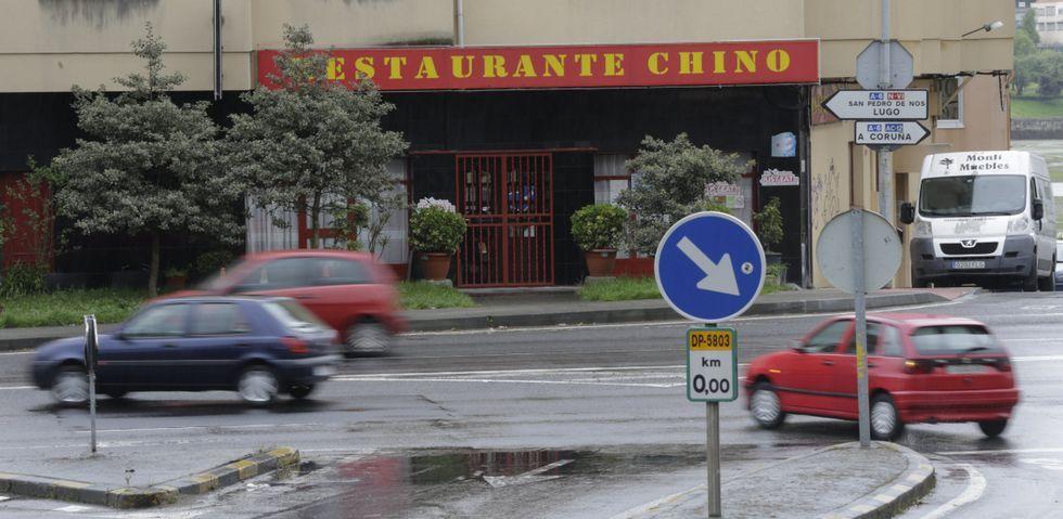 El entorno del cruce del Sol y Mar concentra dos restaurantes orientales, el bajo donde se acondiciona un nuevo bazar y el Dia.