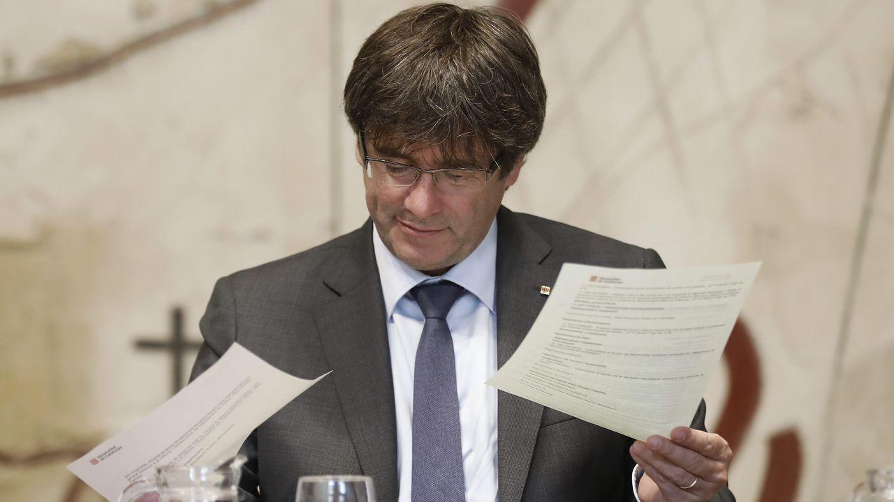 Los independentistas se resisten a tramitar las leyes del referéndum y la desconexión.Oriol Junqueras, Carles Puigdemont y Jordi Turull