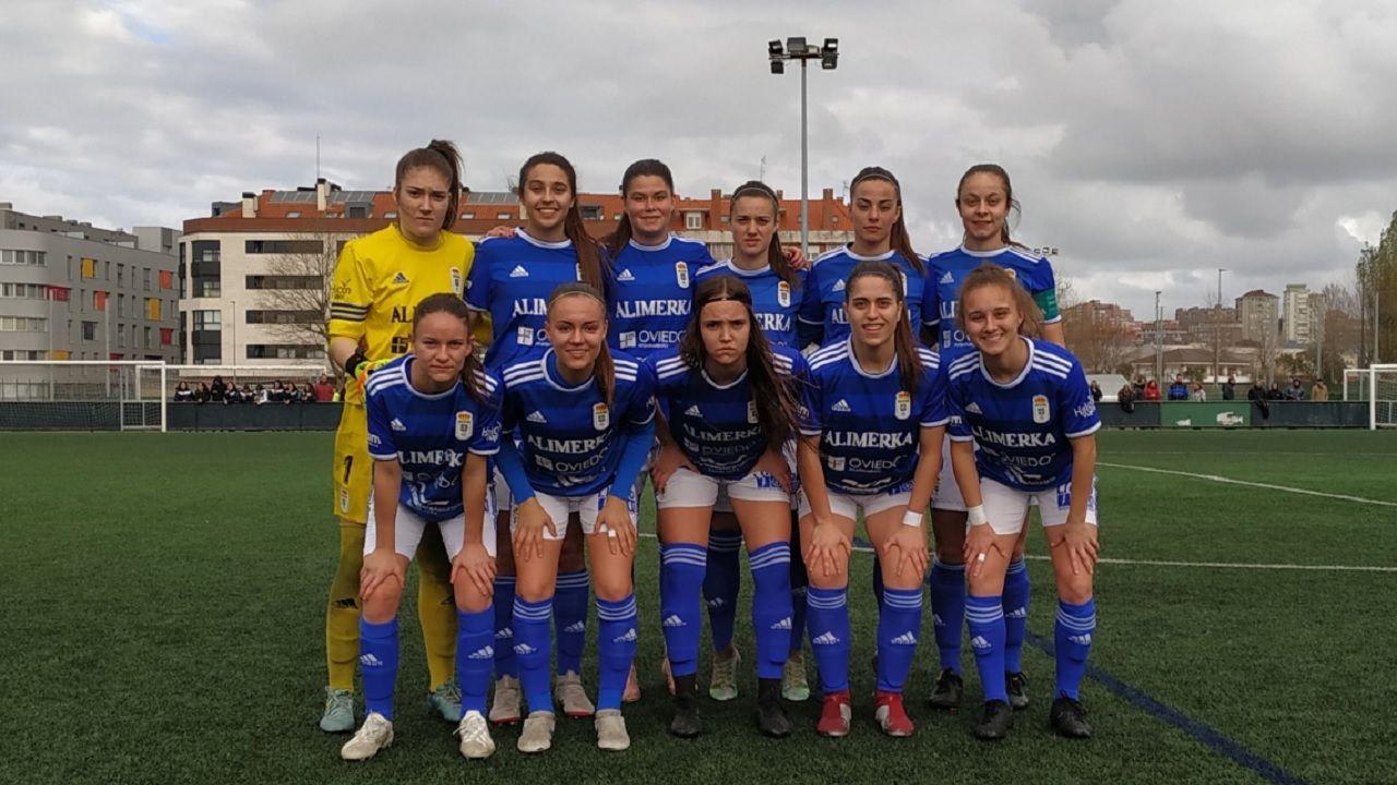 Real Oviedo Femenino Racing Santander.Las futbolsitas azules, antes del encuentro ante el Racing