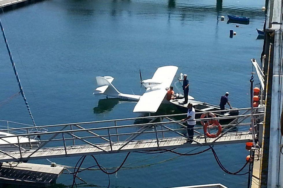 Accidente aéreo en Taipéi.La aeronave, tras el amerizaje de emergencia.