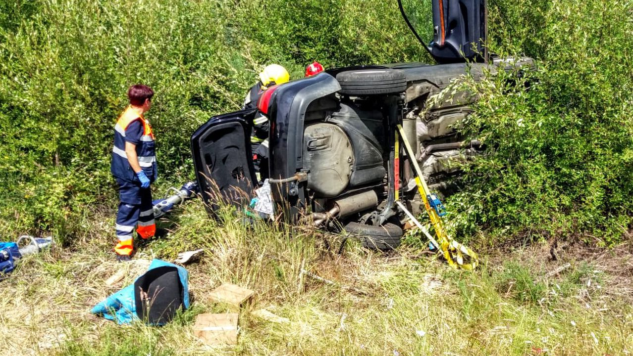 Trasladan en helicóptero al HUCA a un ciclista herido mientras bajaba El Angliru, en Riosa