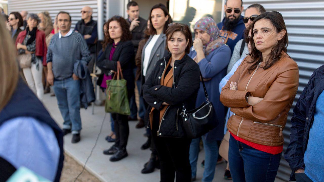 Concentracion convocada por el sindicato CSIF para protestar por la agresion sufrida por una docente