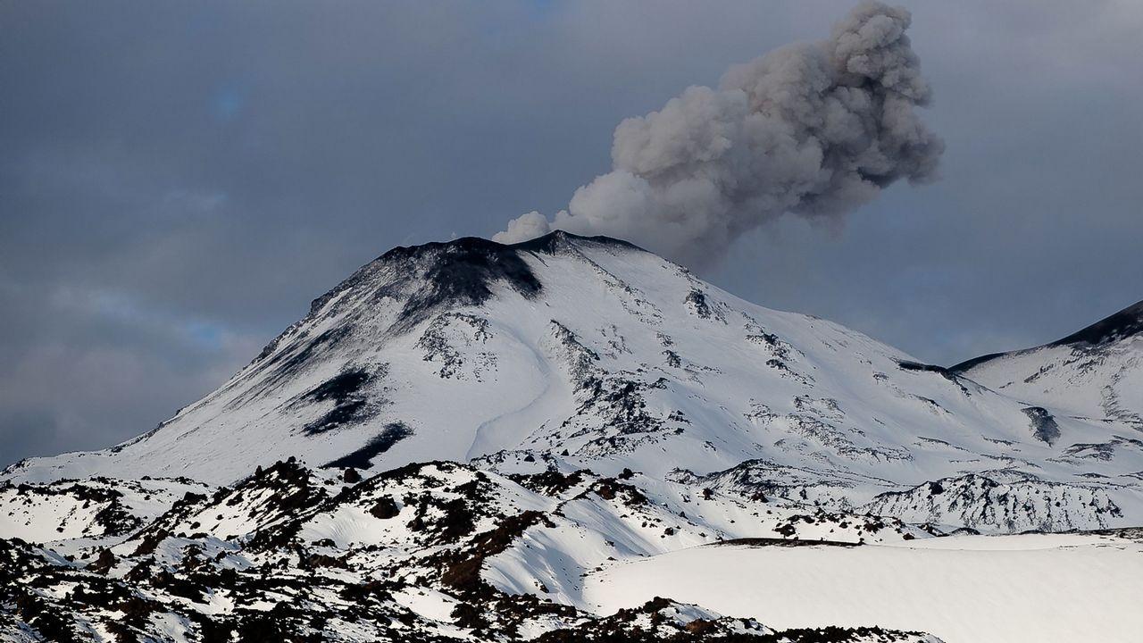 Erupción del volcán Nevado de Chillán, 400 kilómetros al sur de Santiago de Chile