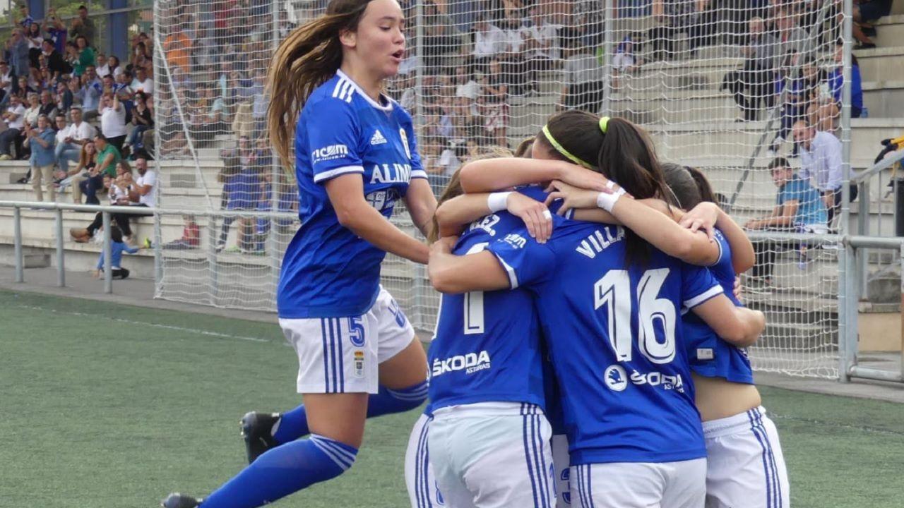 Gol Real Oviedo Femenino Victoria.Las futbolistas azules celebran uno de los tantos ante el Victoria