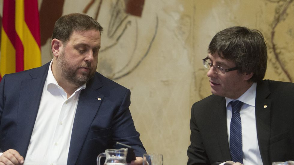 Artur Mas, insultado y abucheado en su llegada a Madrid.La exconsellera catalana de Educación Irene Rigau