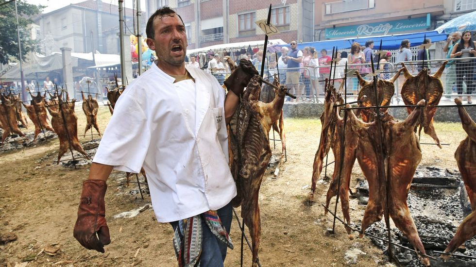 Más de 3.000 comensales degustaron el carneiro ao espeto en Moraña