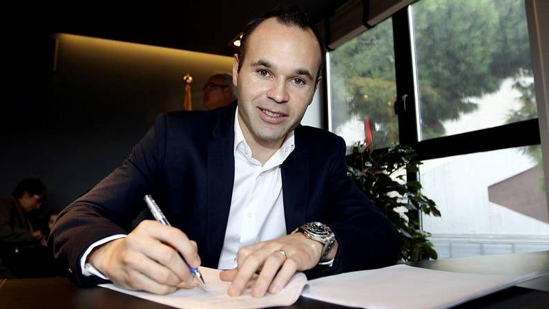 Toda la actualidad de la Liga de Campeones.Iniesta firma su renovación con el Barça