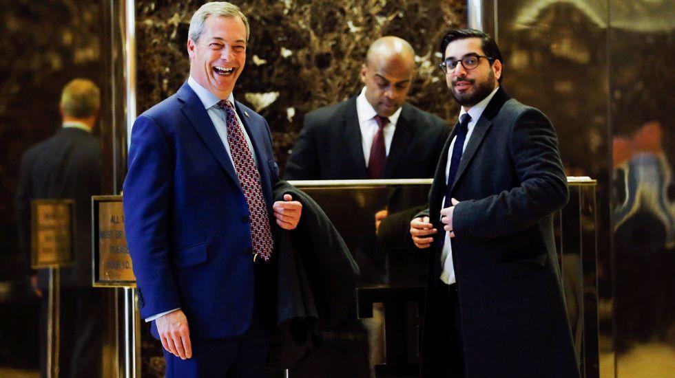 La reaparición de Hillary Clinton.Donald Trump y Nigel Farage en la Trump Tower de Nueva York