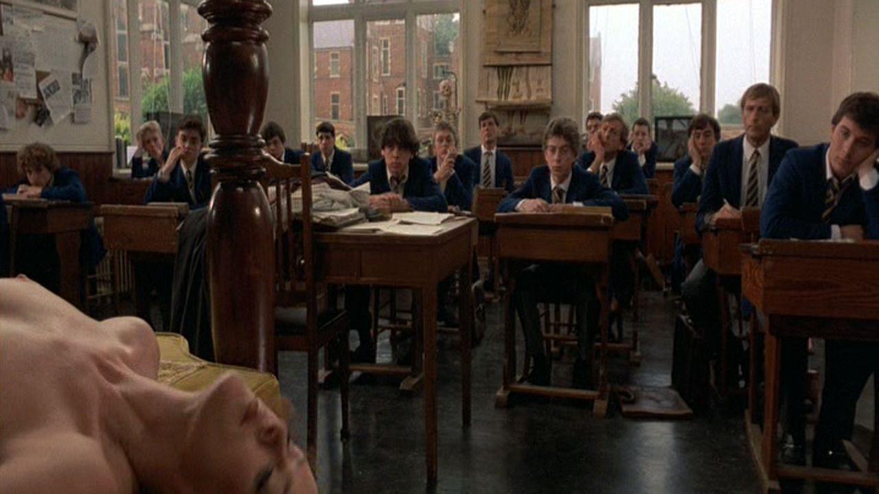 Un fotograma del gag de Educación sexual de «El sentido de la vida» de Monty Python.