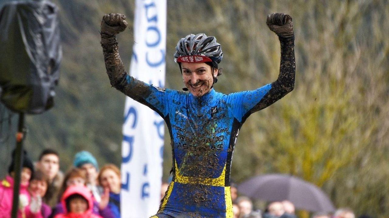 Una investigación matemática abre una esperanza contra el Párkinson.Aída Nuño celebra su victoria en el Campeonato de España de Ciclocross
