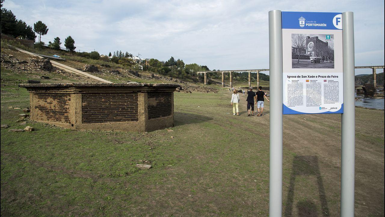 .El Ayuntamiento de Portomarín instaló paneles explicativos para ayudar a interpretar las ruinas de la villa anegada