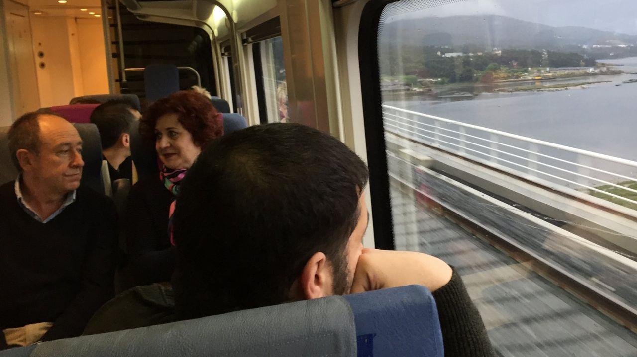 Hitos kilométricos en Galicia.Los trenes del eje atlántico superaron los tres millones de viajeros