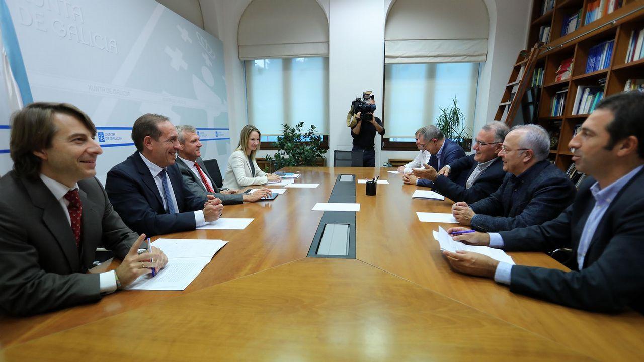 Reunión entre representantes de la Xunta y de la Fegamp