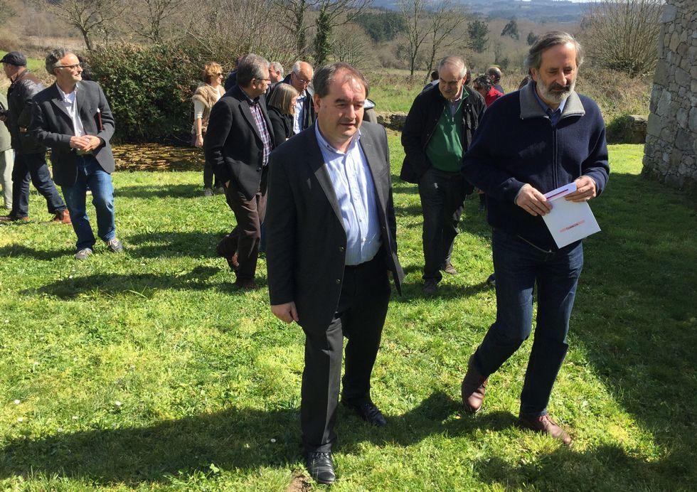 .El director del IEU, Francisco Pardo, derecha, con Rubén Lois.