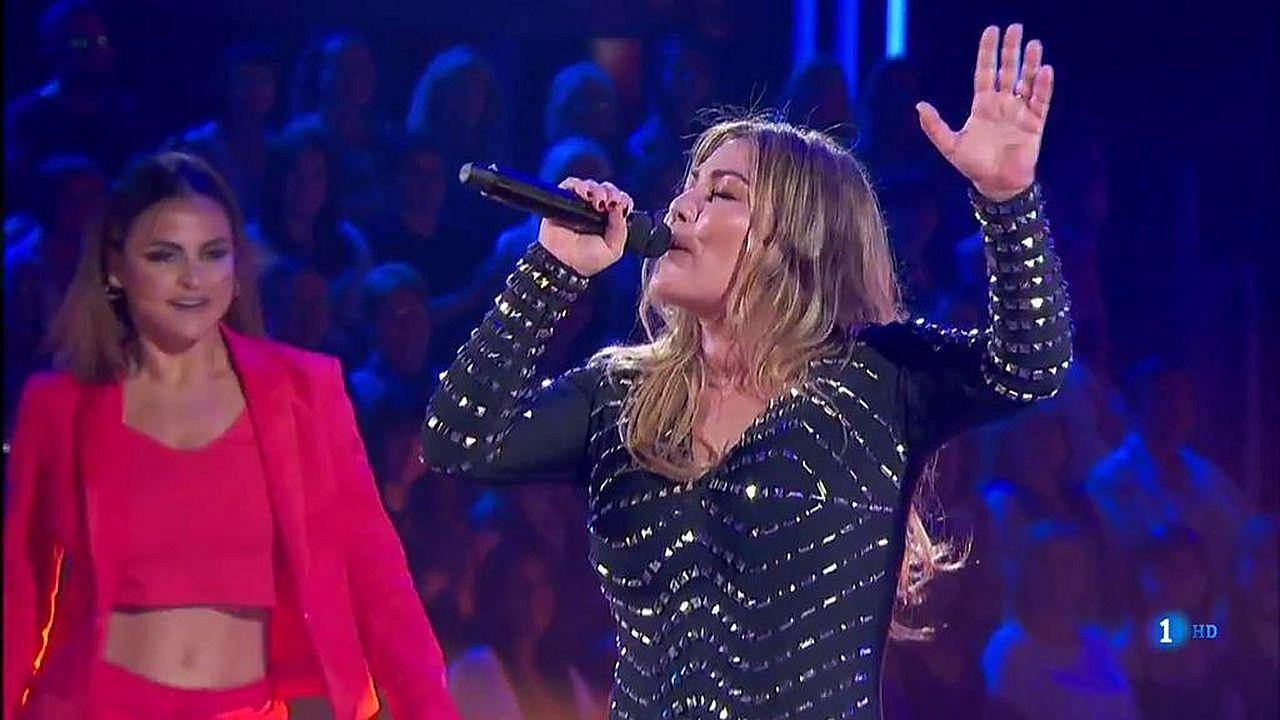 Amaia Montero canta «Nacidos para creer» en «Bailando con las estrellas».Un fotograma de la película «Campeones» de Guillermo Fesser