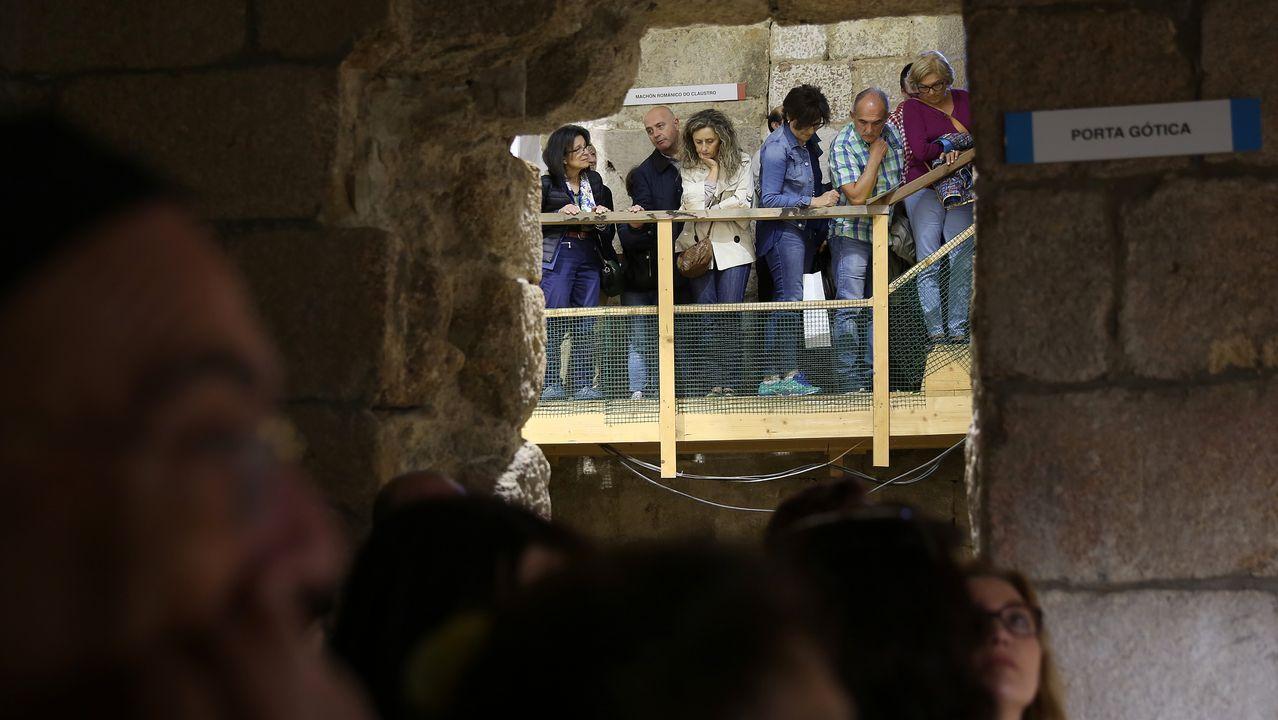 Día el Museo en el Arqueolóxico Provincial.María Jesús Fernández, Manuel-Santiago López y Milagros Madiedo, junto a parte de las piezas del «Proyecto Leonardo»