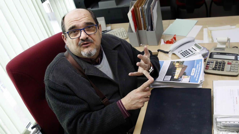 Manuel debe, según la entidad, más de 34.000 euros. Ha tenido que pedir dinero a su familia