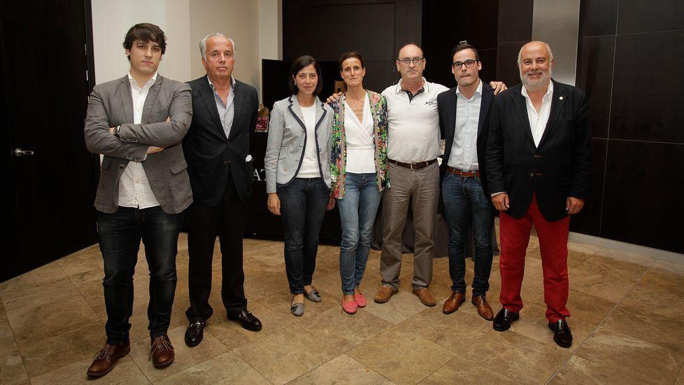 Irene Lozano: «Me siento feliz de que Pedro Sánchez haya contado conmigo».Pancarta de la Assemblea Nacional Catalana en Sant Vicenç.