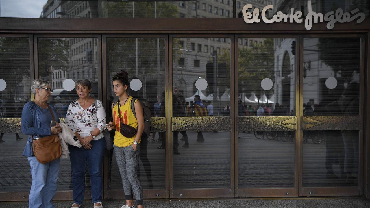 Huelga general en Cataluña. Comercios cerrados