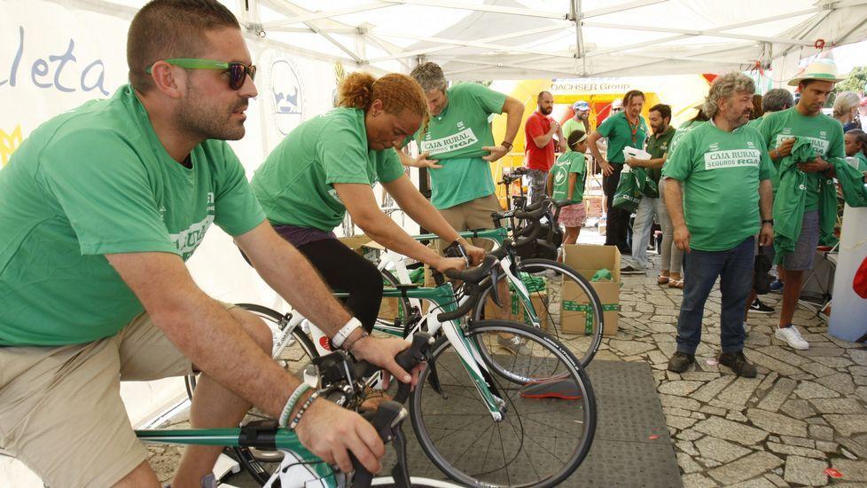 Varias casas comerciales daba la posibilidad de ser solidarios pedaleando