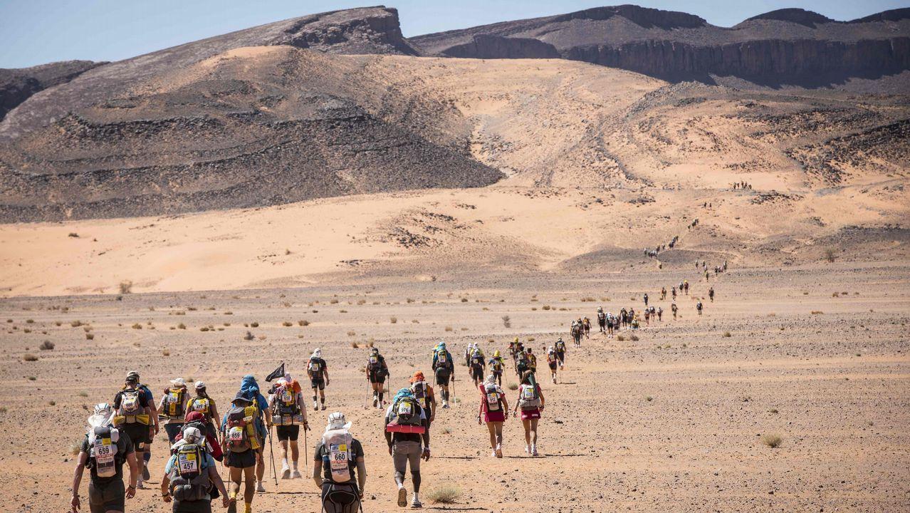 Participantes en la Marathon des Sable, en el sur del desierto del Sáhara