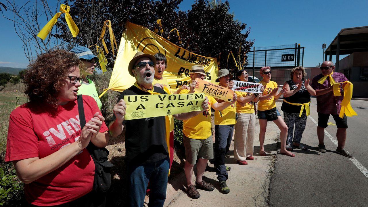 Los políticos presos vuelven a Cataluña.Comitiva que transporta a Junqueras, Romeva y los Jordis