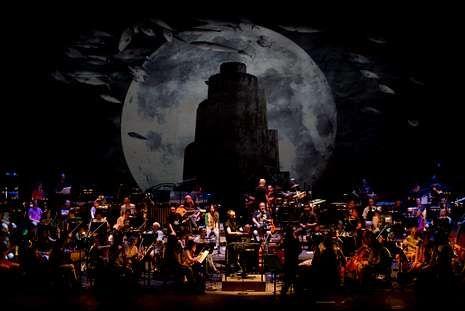 Las festas da Xunqueira y la Feira do Libro de Cee, en imágenes.El espectáculo se estrenó ayer en el palacio de la Ópera coruñés, y hoy habrá otro pase.