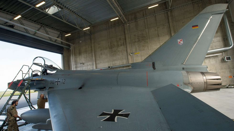 ALCALDES SUPLENTES DE LA COMARCA.Uno de los Eurofighter alemanes utilizados para patrullar sobre el mar Báltico.