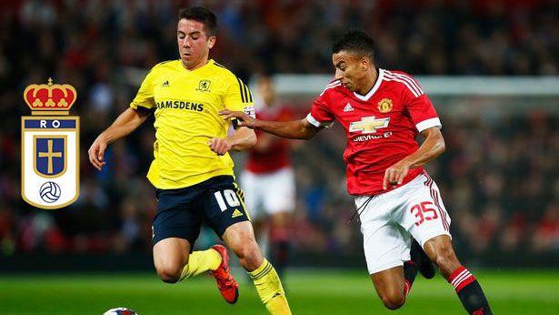 Carlos de Pena en un encuentro frente al Manchester Utd