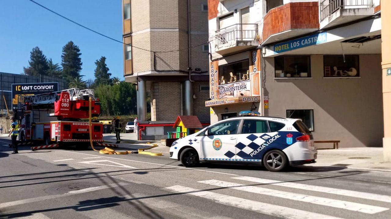 Incendio en un piso de estudiantes de la calle A Senra de Santiago.La bicicleta presuntamente robada cuyo propietario busca la Policía