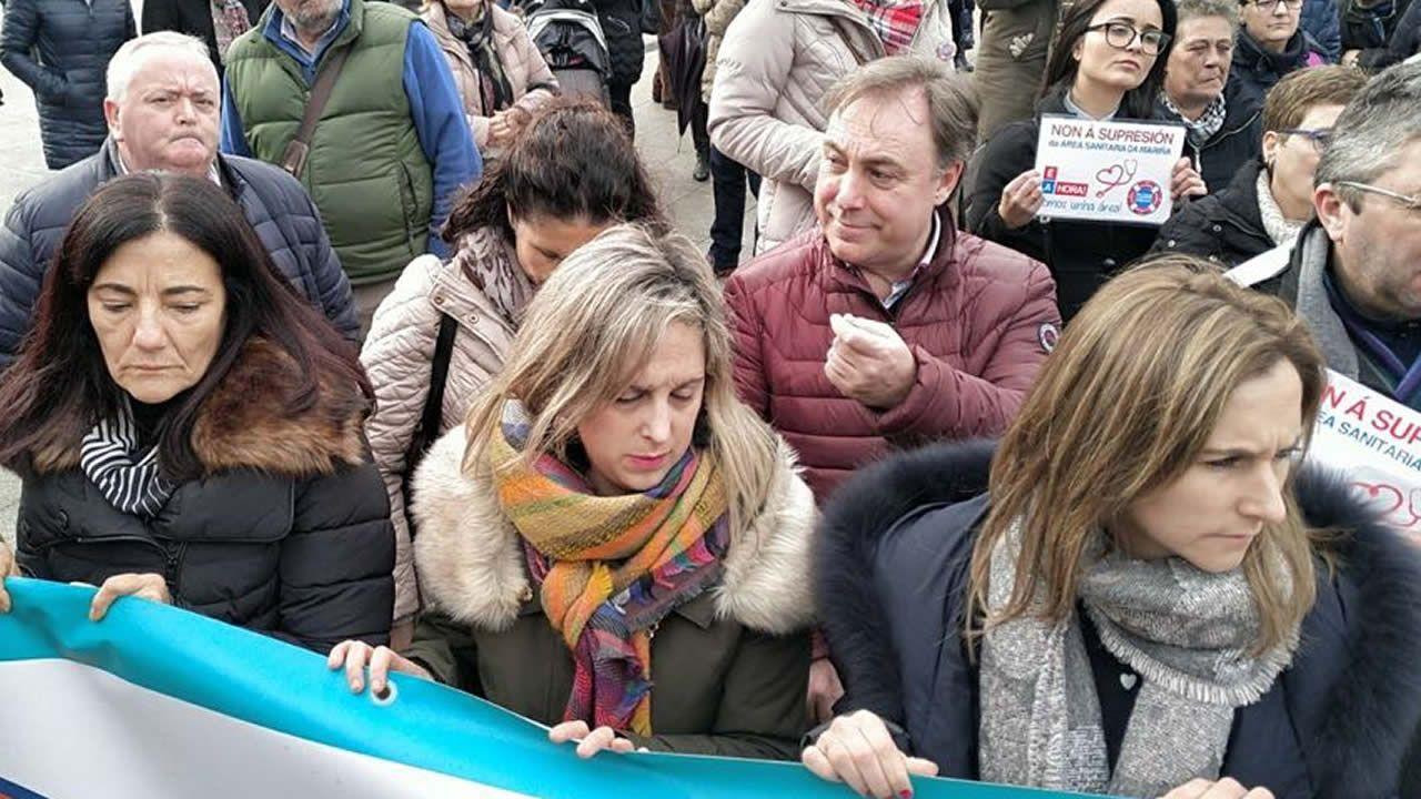 Concentración contra la supresión del área sanitaria de A Mariña.