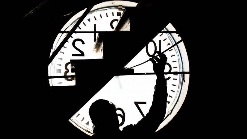 .La catedral y la plaza del Obradoiro a oscuras por la «hora del planeta» del 2011.
