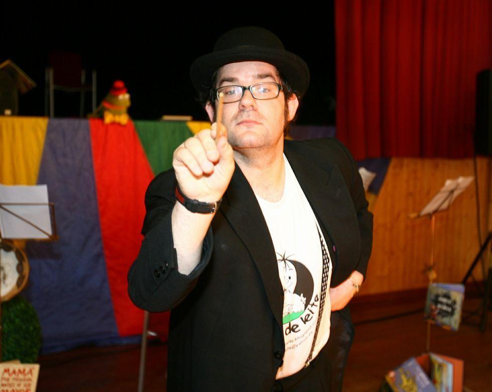 Un repaso en imágenes a la carrera de Manolo Tena.Marcos lleva al frente del grupo teatral Noite Bohemia desde su creación, en el año 2008.