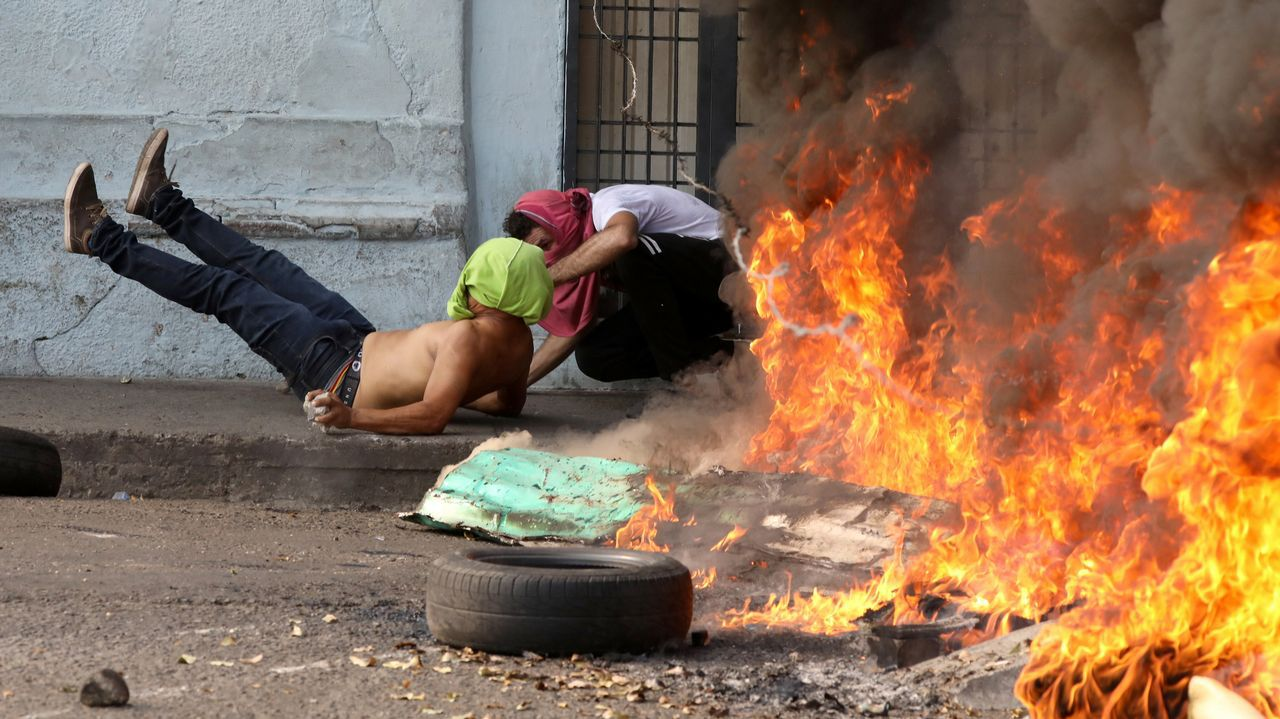 Incidentes en la frontera en Ureña, entre Colombia y Venezuela.Bolsonaro es uno de los más firmes apoyos de Guaidó en su pulso con Maduro