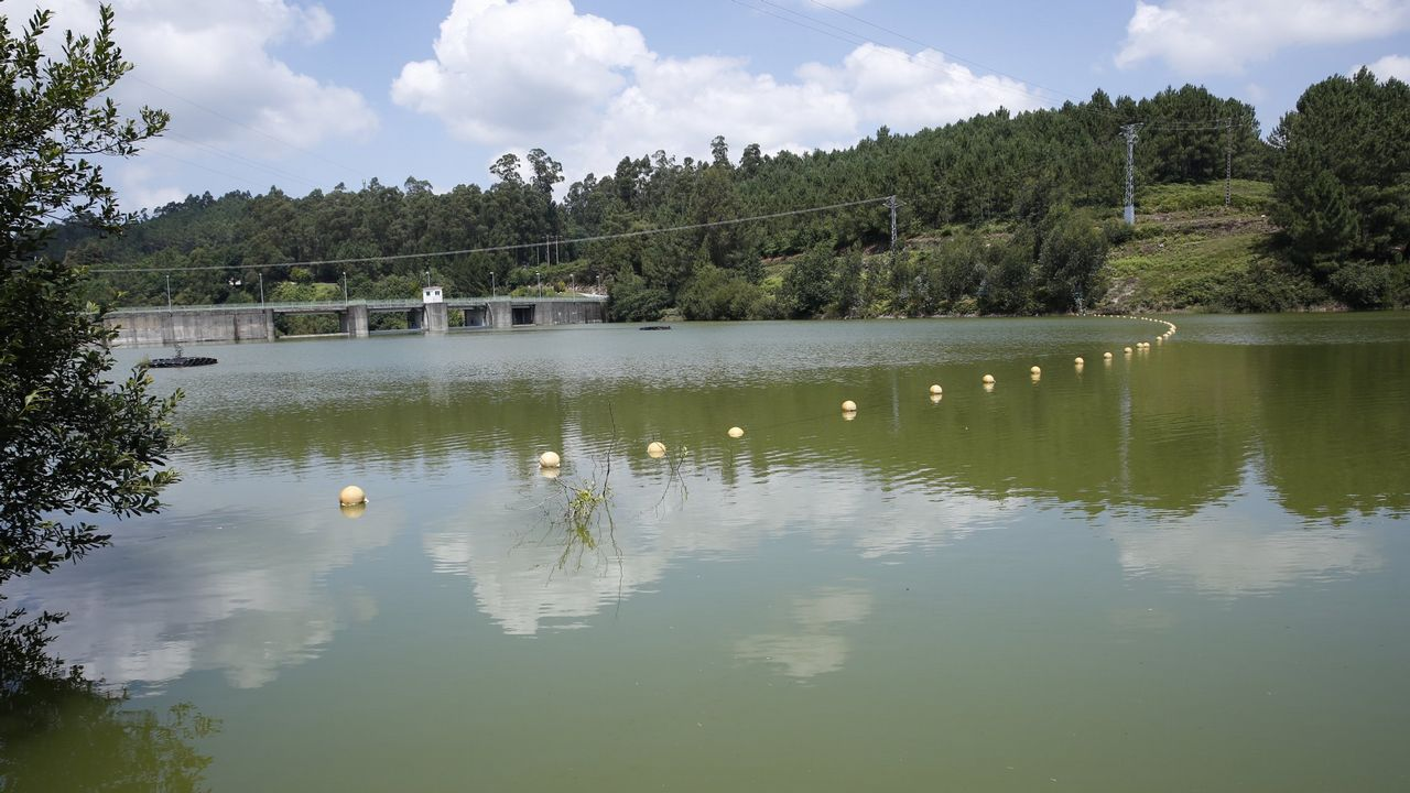 «Xunqueira segue en perigo porque despois de limpar o río trala riada xa non volveron»