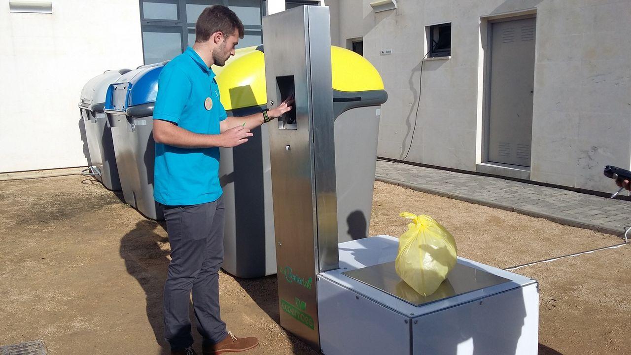 Prototipo de contenedores de residuos interconectados