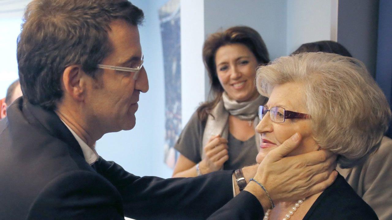 Esa noche electoral, junto a Feijoo estuvo de nuevo su madre.