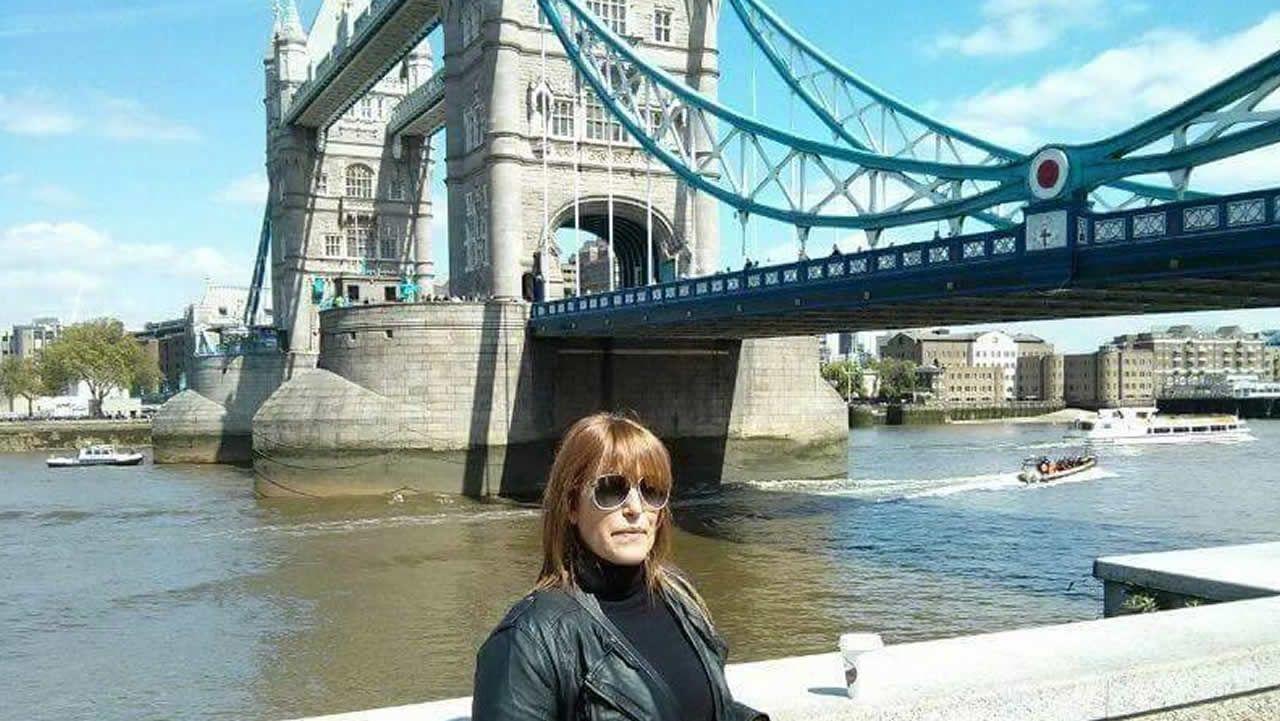 José María Múgica: «Otegi encarna exactamente aquello que tenemos que combatir».Ana Triñanes, afectada por el cierre de Gatwick, frente al Puente de la Torre de Londres