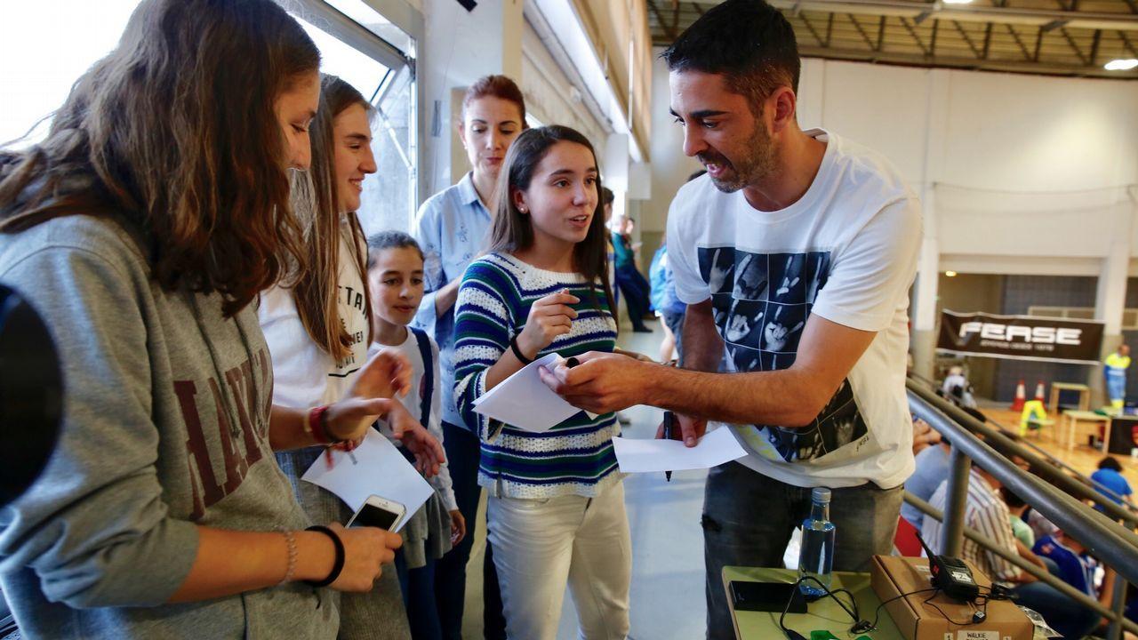 Navarro, emocionado en su homenaje acompañado por sus amigos en la pista.El último título de Navarro con el Barça, la Copa del Rey conseguida en febrero en Gran Canaria