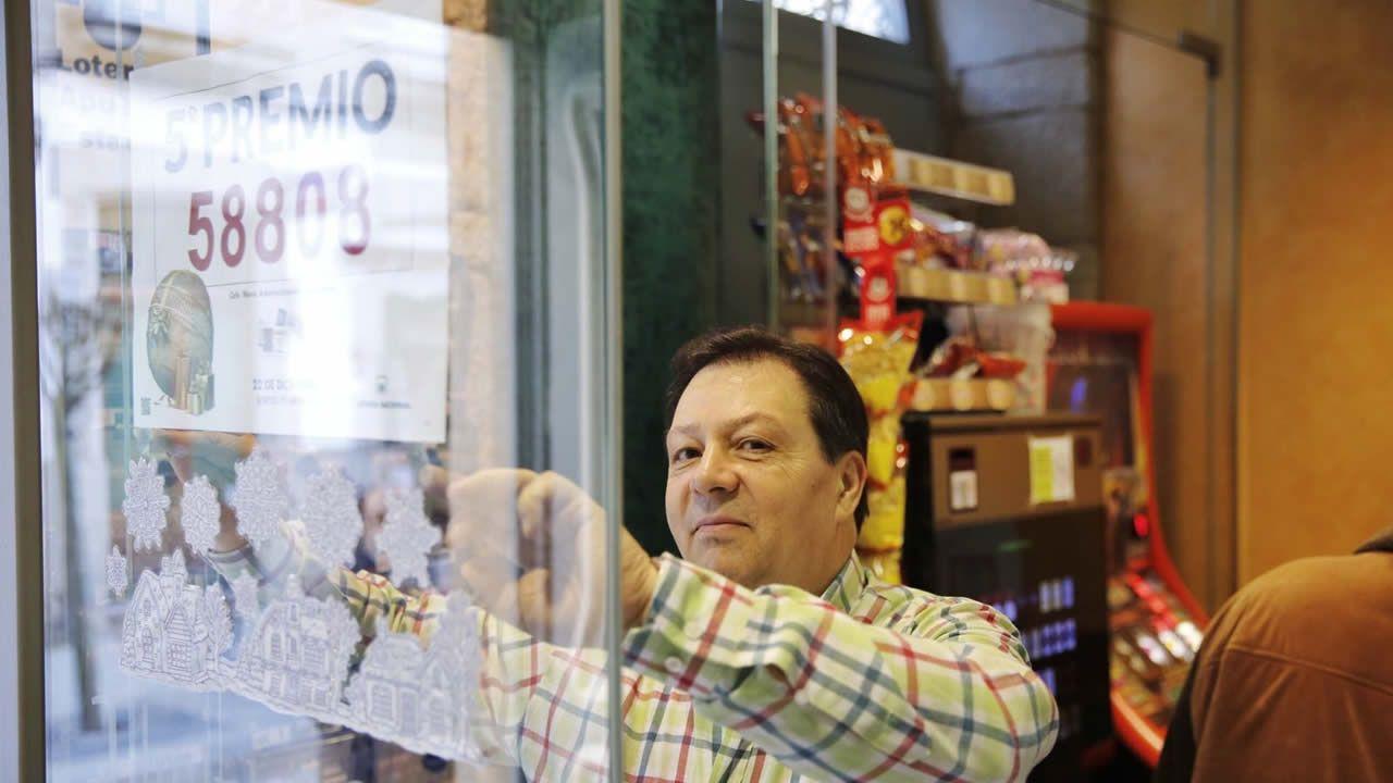 Manuel Fuentes repartió dos quintos premios en Celanova