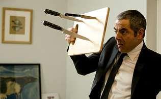 Rowan Atkinson vuelve a encarnar a un desastroso agente secreto