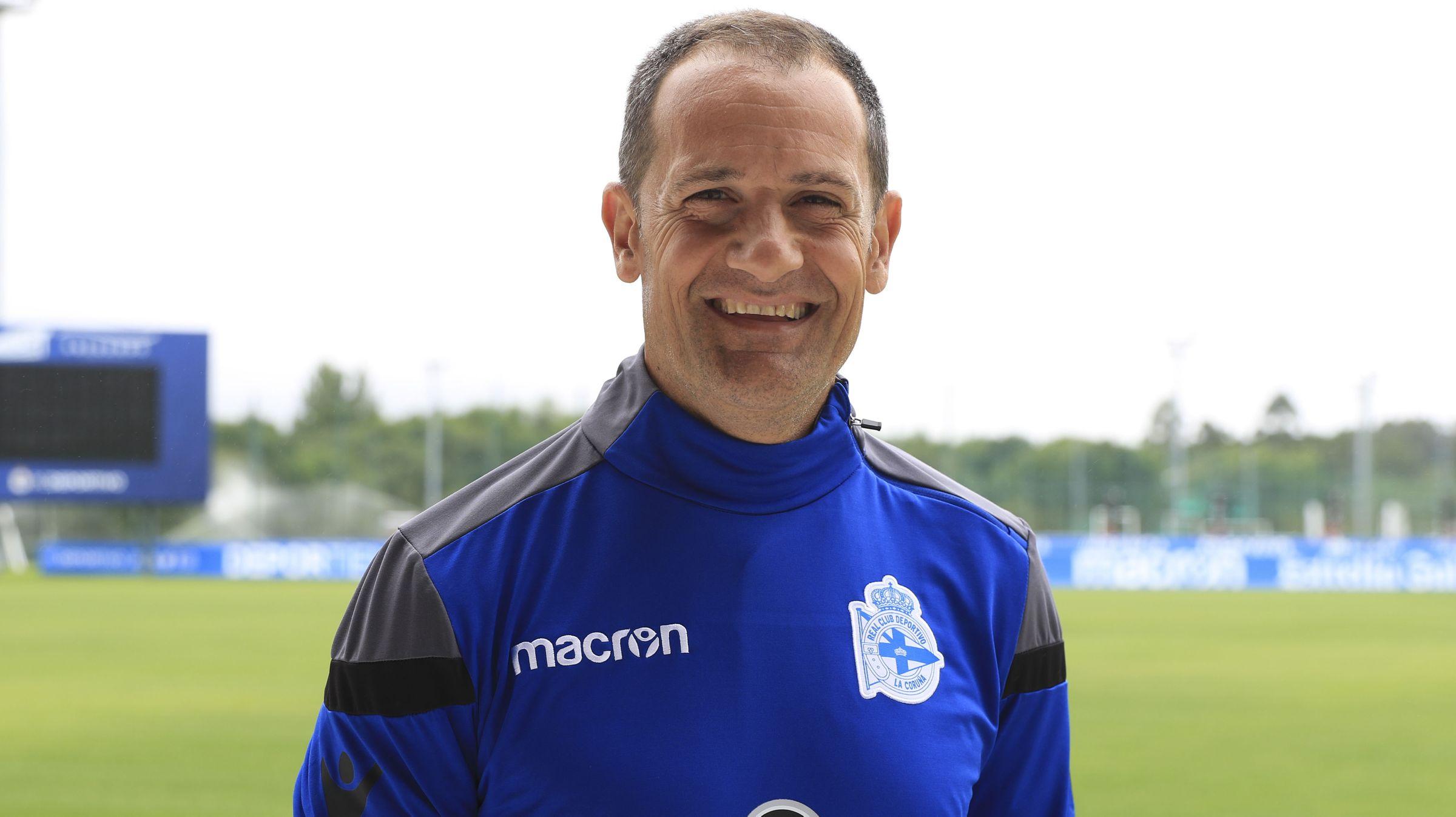 .Javier Manjarín en las instalaciones del Deportivo de La Coruña.