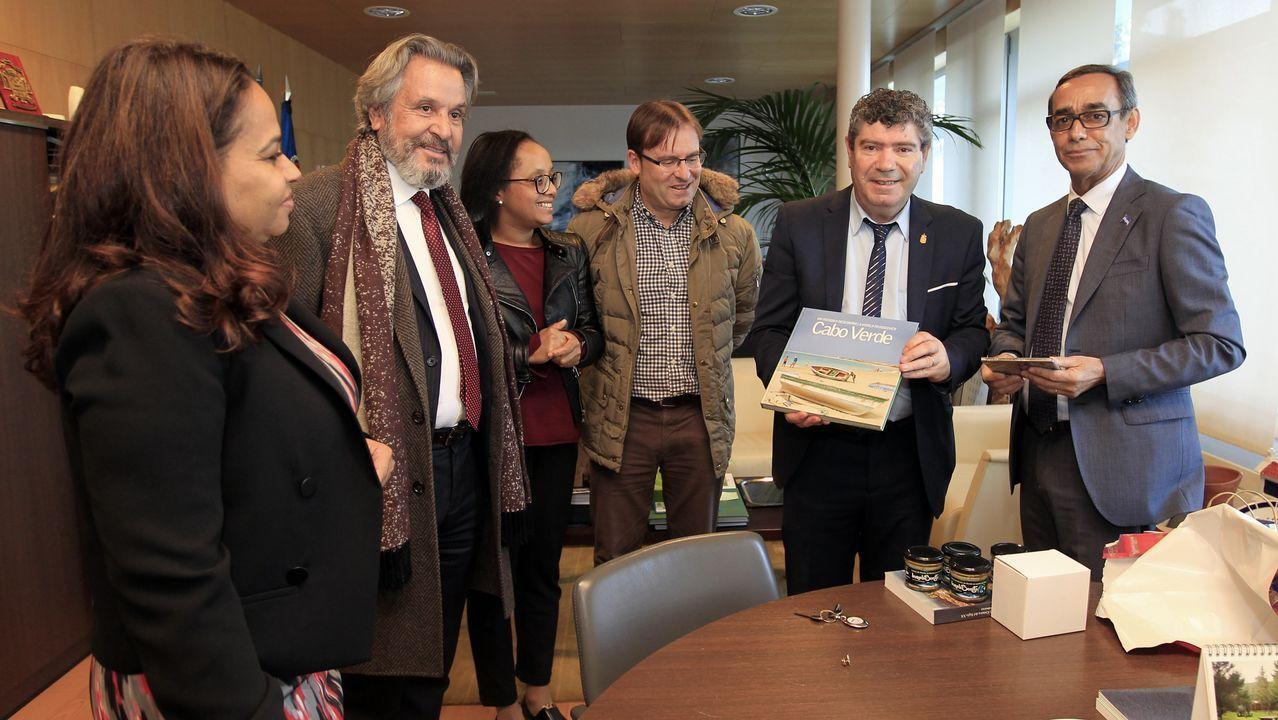 Visita del embajador de Cabo Verde a Burela