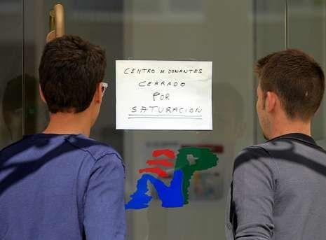 Un cartel advertía ayer en el Nicolás Peña de que las donaciones estaban paralizadas.