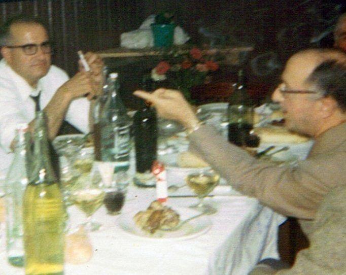 .José Estévez «Coles» e o Forense con seu aceno característico, nunha foto do 26 de agosto do ano 1967