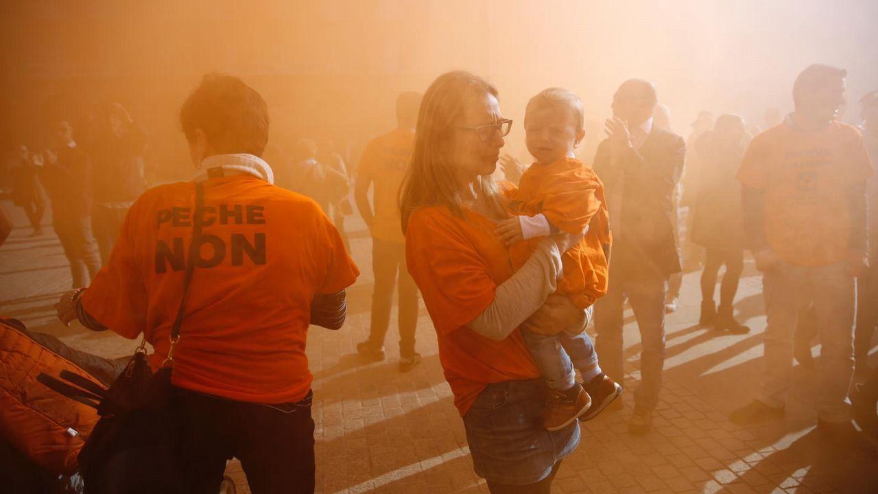 Concentración de los trabajadores de la planta coruñesa de Alcoa.Cabecera de la manifestación en defensa de Alcoa en Avilés