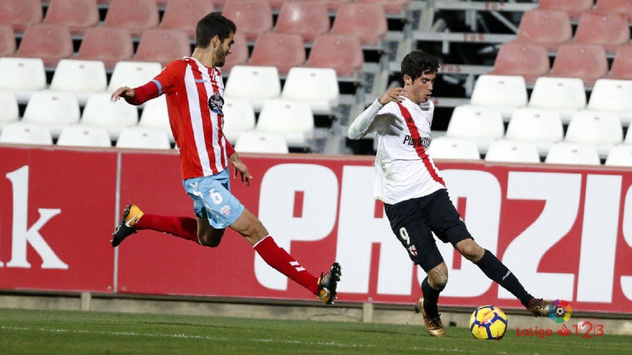 .Carlos Fernández en un Sevilla Atlético-Lugo