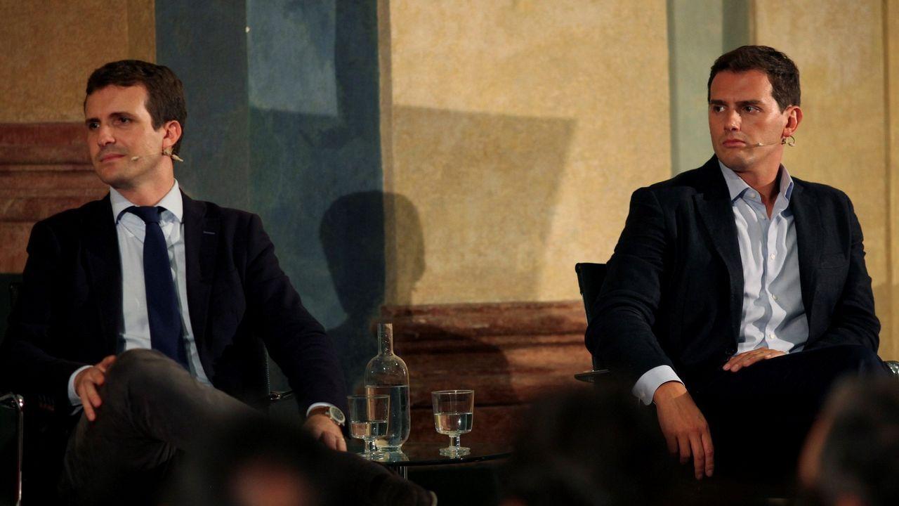 La última sesión de control se convierte en el primer debate electoral.Imagen de archivo de la portavoz de Unidos Podemos en el Congreso, Irene Montero, conversando con el coordinador federal de IU, Alberto Garzón